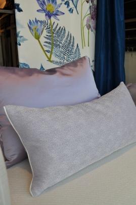 Alle kussens worden gemaakt in eigen atelier.