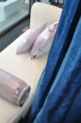 Inktblauwe 100% zijden gordijnstof - in 100 kleuren te verkrijgen - ook geschikt voor kussens.