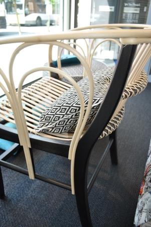 Stoel Uragano - ontwerp van Vico Magistretti voor DePadova - mooi zowel binnen als buiten